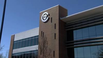 Parents sue school district over student mask mandate