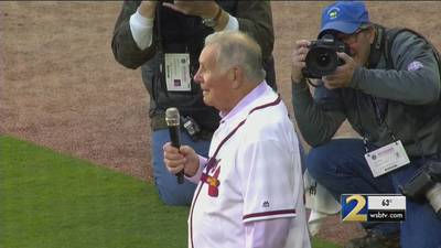 Support, prayers pouring in for former Braves manager Bobby Cox after stroke