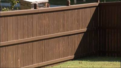 Metro homeowner in fight over privacy fence after getting permission from homebuilder, she says