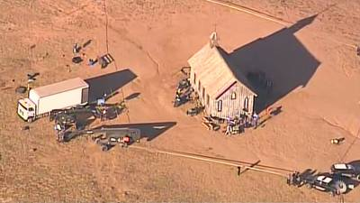 Prop specialist gives insight into how New Mexico movie shooting death could happen