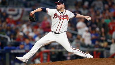 Braves pitcher overcomes severe anxiety to make it back to big leagues