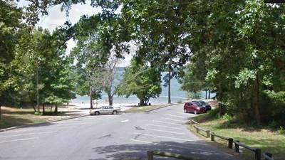 Investigators working to identify body found floating in Lake Lanier